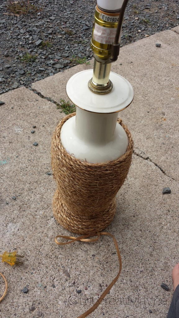 the Creative Jayne // a tutorial \ a nautical rope lamp